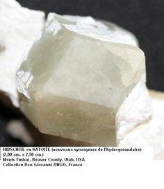 Grossular (Var: Hibschite), Ca3Al2(SiO4)3-x(OH)4x(x=0.2-1.5), Tushar Mounts, Beaver County, Utah, USA.  Dimensions: 2,00 x 2,50 cm