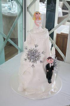 Sandy's Cakes: Super Skiing Wedding Cake