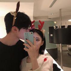 Ulzzang korean couple, cute, hot - ig: chico ulzzang, korean u Couple Goals, Cute Couples Goals, Ulzzang Couple, Ulzzang Girl, Cute Korean, Korean Girl, Cute Couple Pictures, Couple Photos, Couple Photography
