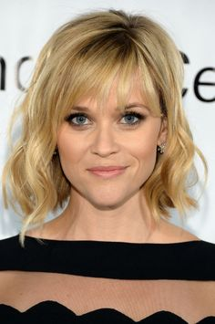 Smoky eyes and a tousled lob made Reese look smoldering at the Great American Songbook event.