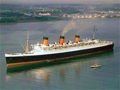 Visit Southampton in 1956 for a film tour of Cunard Line's Queen Mary on the week of her anniversary. Queen Mary 1, Rms Queen Elizabeth, Titanic Art, Rms Titanic, Cunard Ships, Isambard Kingdom Brunel, Yacht Cruises, Victoria Harbour, Beyond The Sea