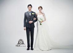 indoor pre wedding photoshoot by Roi studio. Please visit www.roistudio.co.kr to learn more. #roistudio #Koreawedding #Gangnamwedding