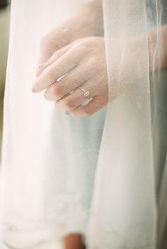Neutral and Organic Elopement Details | Wedding Sparrow | Elle Golden Photography