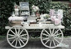 ▷ Candy Bar Para Bodas ⭐⇒ Ideas Para Una Mesa Dulce y Salada Deco Buffet, Dessert Buffet, Dessert Bars, Candy Table, Candy Buffet, Bar Deco, Wedding Ideias, Rustic Vintage Decor, Rustic Barn