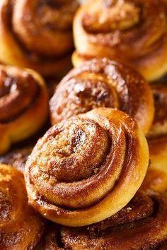 Шведские булочки с корицей (Kanelbullar) - Home is in the kitchen