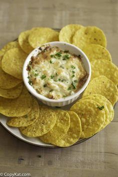 Make the famous Joes Crab Shack Crab Dip at home. Cheesy, and full of crab meat, it& a dip worthing dunking a chip into! Seafood Appetizers Seafood Appetizers Appetizers Appetizers for a crowd Appetizers parties Appetizers For A Crowd, Seafood Appetizers, Appetizer Dips, Seafood Recipes, Appetizer Recipes, Dinner Recipes, Baked Crab Dip, Hot Crab Dip, Copykat Recipes