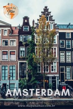 Amsterdam is ridiculously vegan-friendly. Here are my personal recommendations with a few travel tips thrown in. Enjoy my Amsterdam vegan food guide! Amsterdam Travel Guide, Visit Amsterdam, Amsterdam Vegan, Amsterdam Pictures, Reisen In Europa, Red Light District, Eurotrip, European Travel, Cool Places To Visit