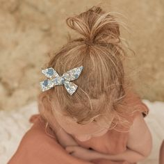 Floral hair clip - Linen bow clip - Hand tied bow Free Baby Stuff, Cool Baby Stuff, Custom Baby Onesies, Cool Baby Clothes, Bow Clip, Stylish Boys, Little Girl Outfits, Floral Hair, Little Girl Hairstyles