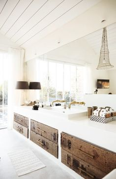 Beach House life+style I like the raw wooden drawers