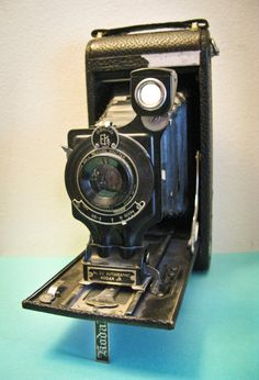 Antique Kodak 2C Autographic Junior Camera $50.00.  I want, for  the love of photography!