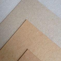 Recycle papier - muskat brown bruin - muskat grey grijs - kraftliner kraft - grijs karton - eco