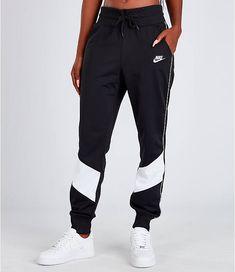 Women's Nike Sportswear Heritage Track Pants Front view of Women's Nike Sportswear Heritage Track Pants in Black/White Nike Outfits, Sporty Outfits, Trendy Outfits, Cute Sweatpants, Sweatpants Outfit, Cute Lazy Outfits, Cool Summer Outfits, Sport Pants, Nike Pants