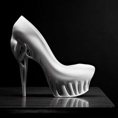 Biomimicry Shoe, Marieka Ratsma, future fashion, futuristic fashion, unique shoe, Kostika Spaho, futuristic look, futuristic style, futurist by FuturisticNews