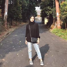 hijab casual hijab casualYour scarf is the most important part while in the apparel of ladies with Hijab Casual, Ootd Hijab, Hijab Simple, Hijab Chic, Casual Ootd, Ootd Classy, Simple Ootd, Ootd Chic, Hijab Jeans