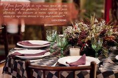 Tenha um arranjo lindo no inverno. Veja como: http://casadevalentina.com.br/blog/detalhes/seu-arranjo-lindo-no-inverno-2919 #decor #decoracao #details #detalhes #interior #design #idea #ideia #flowers #flores #casadevalentina #tableware
