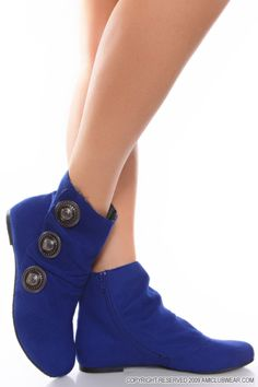 Deep blue suede flat ankle boots featured with big studs on the side. / Beautiful suede flat ankle boots / Sharon Hernandez on Fuseink