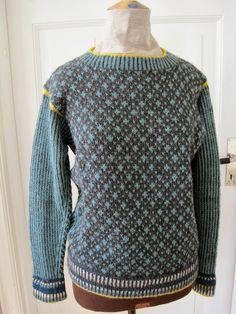 Hanne Rimmen: Restenisser i lange rækker + en hurtig DIY Knitting Machine Patterns, Knitting Patterns, Fair Isle Knitting, Girls Sweaters, Knitting Designs, Knitwear, Men Sweater, Pullover, Model
