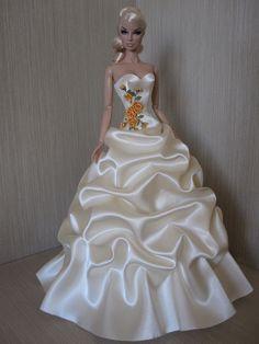 Flickr Barbie Bridal, Barbie Wedding Dress, Barbie Gowns, Barbie Dress, Bridal Dresses, Wedding Gowns, Diy Barbie Clothes, Doll Clothes, Fashion Royalty Dolls