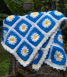 Summer Daisy Crochet Afghan, yellow, blue and white