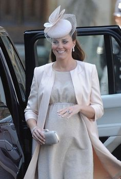 Kate Middleton and Prince William showed up this morning at Westminster Abbey for Queen Elizabeth's coronation ceremony. Kate wore a pale Jenny Packham dress. Prince George Alexander Louis, Prince William And Catherine, William Kate, Prince Philip, Princess Elizabeth, Princess Kate, Queen Elizabeth Ii, Duchess Kate, Duke And Duchess
