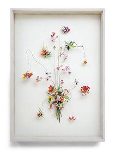 お部屋に飾ったら絶対ステキっ!! お花をモチーフにした繊細で優美な立体コラージュ   Pouch[ポーチ]