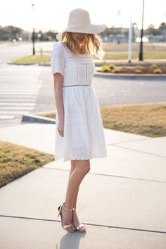 Little Blonde Book by Taylor Morgan | A Life and Style Blog : When in spring waysify