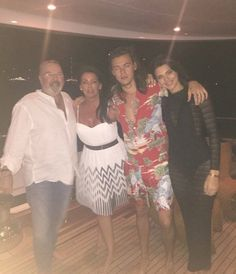 Image shared by Find images and videos about Harry Styles and kendall jenner on We Heart It - the app to get lost in what you love. Harry Styles Poster, Harry Styles Pictures, Harry Edward Styles, Kendall Harry, Kendall And Harry Styles, Estilo Jenner, Gemma Styles, Camila Morrone, Harry 1d