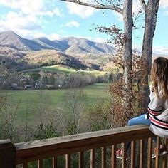 There is no shortage of beautiful views here in Cherokee. ( 📷: @zasanski_ ) #visitsmokies
