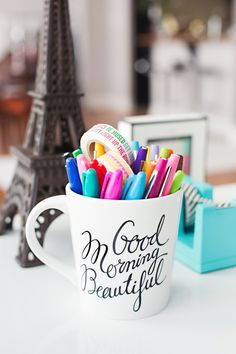 DIY 'Good morning beautiful' mug sharpie markers Office Decor, Office Ideas, Desk Office, Work Desk, Home Office, Home Interior, Decoration, Diy Gifts, Sweet Home