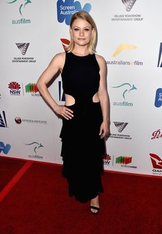 Emilie De Ravin At Annual Australians in Film Award & Benefit Dinner at Neuehouse in Hollywood The Hills Have Eyes, Emilie De Ravin, Spanish Actress, Film Awards, Cool Outfits, Black Outfits, Dyed Hair, Actors & Actresses, Peplum Dress