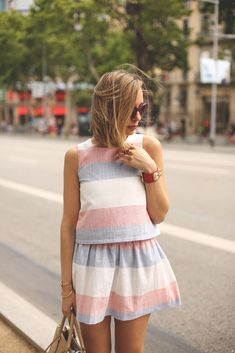 Cute striped summer suit. Add a red lip, and we're all Taylored :)