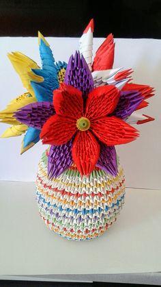 Vase avec de grosses fleurs origamie Fabiola MD
