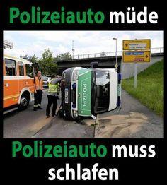 polizeiauto-muede--polizeiauto-muss-schlafen.jpg (647×720)