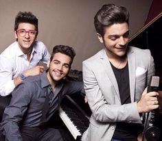 From the liner notes: Buon Natale IL VOLO, Piero Barone, Ignazio Boschetto, Gianluca Ginoble