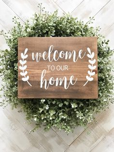 Ideas diy crafts to sell spring wood signs Welcome Home Signs, Wooden Welcome Signs, Diy Wood Signs, Welcome Home Crafts, Outdoor Welcome Sign, Welcome Boards, Rustic Signs, Wooden Signs With Sayings, Outdoor Signs