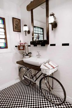 Upcycling konzept mit Fahrrad vintage badezimmer waschbecken Upcycling concept with bicycle vintage bathroom sink Unique Home Decor, Home Decor Styles, Vintage Home Decor, Cheap Home Decor, Diy Home Decor, Vintage Ideas, Room Decor, Wall Decor, Repurposed Furniture