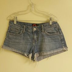Denim shorts Low rider shorts ?Gently use ?distressed shorts ? rolled hem and strings ?From Forever 21 ?Don't trade - Don't ask ?Any questions, please let me know Forever 21 Shorts Jean Shorts