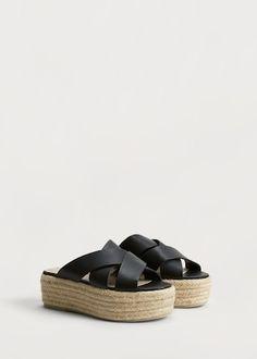 d9094cd8b588 Les 20 meilleures images du tableau Chaussures sur Pinterest   Shoes ...
