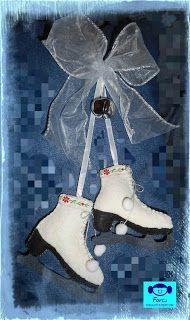 Farci alkot: Korcsolya filcből Christmas Ornaments, Holiday Decor, Christmas Jewelry, Christmas Decorations, Christmas Decor