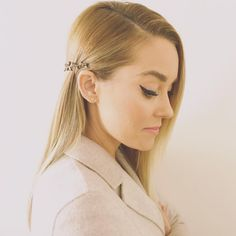 Obsessed with Lauren Conrad's hair accessory and winged eyeliner