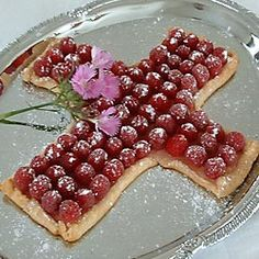 Cross shaped fruit tart- no special pan needed!