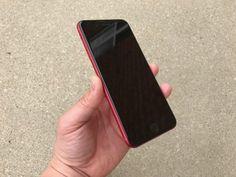 iPhone 7 Plus Product RED eccolo con la parte frontale nera