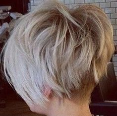 Deze pin is ontdekt door Wan Pretty Hairstyles, Bob Hairstyles, Hair Dos, My Hair, Short Hair Cuts, Short Hair Styles, Long Pixie, Hair 2018, Great Hair