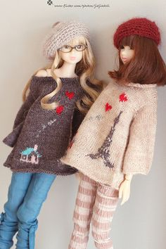 "I'm very happy to design the"" love love La Tour Eiffel"" sweater for momoko. At first, I have design 2 kind of stripes skirt to go with. I think this style looks Pretty Dolls, Beautiful Dolls, Bjd, 2 Kind, Barbie Patterns, Barbie World, Mode Vintage, Barbie And Ken, Ball Jointed Dolls"