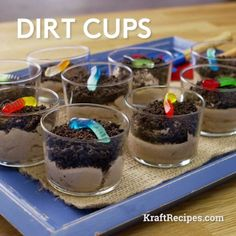 Dirt Cups – Your kids are sure to get a kick out of this fun, outdoor-themed d. Dirt Cups – Your kids are sure to get a kick out of this fun, outdoor-themed dessert recipe! When you whip up these cl Desserts Ostern, Köstliche Desserts, Delicious Desserts, Dessert Recipes, Yummy Food, Beach Themed Desserts, Dirt Pudding Recipes, Halloween Recipe, Ideas Party