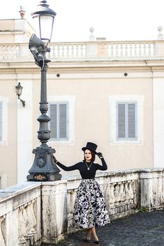 Ragazza in piazza Fall Winter, Autumn, Fall Outfits, Dress Up, Candy, Fitness, Girls, Model, Vintage