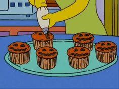 The Simpsons Halloween cupcakes Simpsons Halloween, Halloween Gif, Retro Halloween, Halloween Season, Halloween Horror, Spirit Halloween, Happy Halloween, Halloween Witches, Halloween Quotes