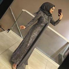 HAZIRSANIZ BAŞLIYORUZ ABİYELERE 😍😍😍BEDEN 36 42 FİYAT 550₺ Hijab Prom Dress, Muslimah Wedding Dress, Hijab Evening Dress, Hijab Wedding Dresses, Women's Dresses, Evening Dresses With Sleeves, Muslim Dress, Muslim Women Fashion, Islamic Fashion