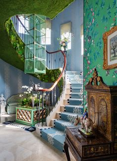 Kips Bay decorator show house in Palm Beach 2019 Looking for some maximalist inspiration? Peek inside the 2019 Kips Bay Decorator Show House in Palm Beach, here. It's chock full of all the pattern and color inspo you'll ever need. Palm Beach, Dream Home Design, My Dream Home, Green House Design, Unique House Design, Future House, Decoration Inspiration, Bathroom Inspiration, Decor Ideas