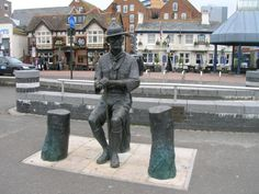 Baden Powell statue on Poole Quay